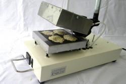 手動式膨化発泡食品製造装置(P-4型)